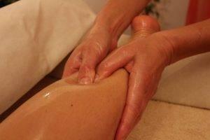 Beinmassage, Massageaktion,Gesicht und Kopfmassage, Ganzkörpermassage, Massage Praxis, Ganzheitliche Wellnessmassage, Massage in Meckenbeuren-Brochenzell, Vasana psychoaktive Massage, Massage in Oberschwaben, Massage in Ravensburg Tettnang Friedrichshafen